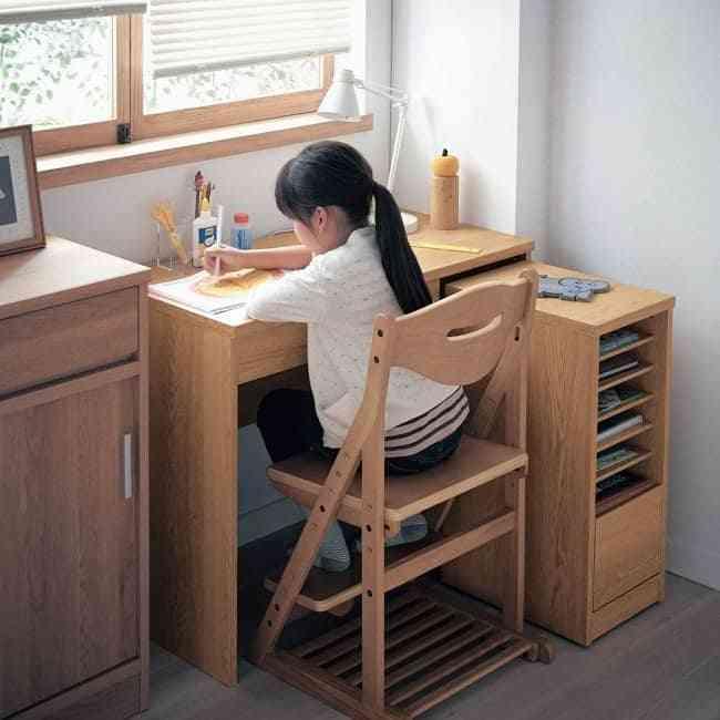 Các mẫu bàn học đơn giản mà đẹp cho các bé nhà bạn (03)
