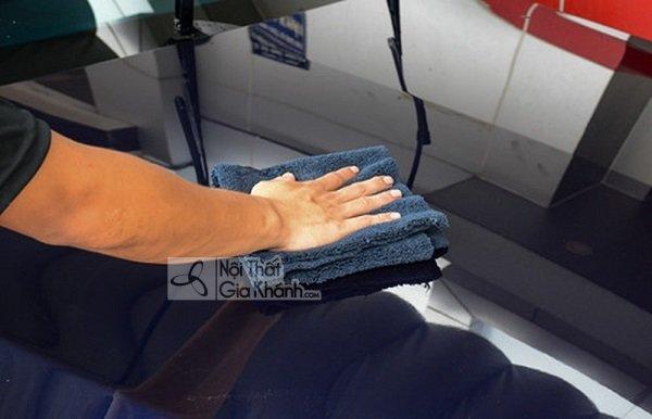Bạn nên có cách sử dụng và vệ sinh bàn và ghế ăn hợp lý