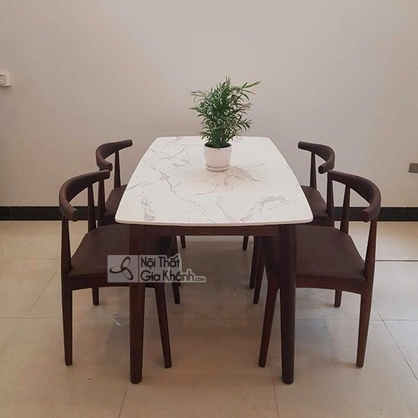 Bộ bàn và ghế ăn 4 ghế