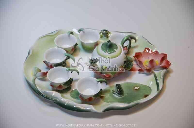 Bộ cốc sứ xương có hình hoa sen mã 08