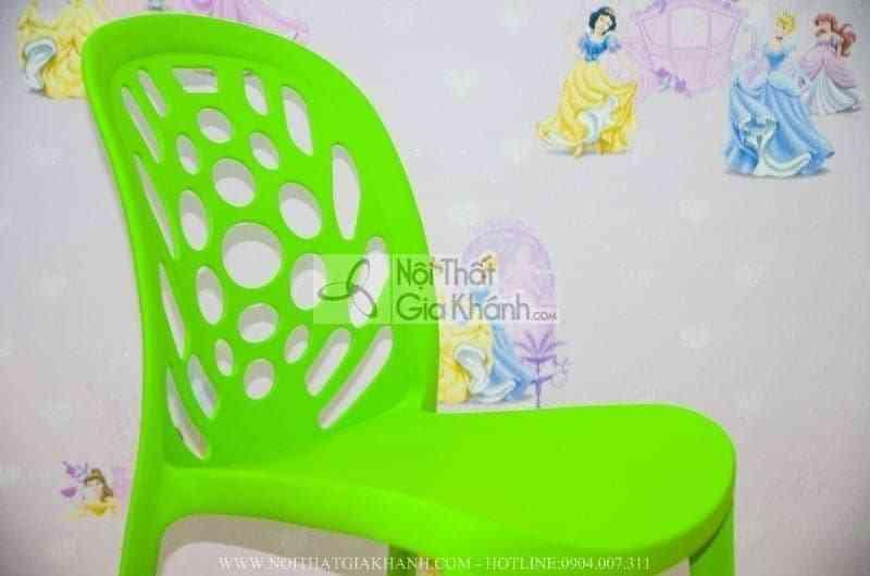 Ghế nhựa đúc nguyên khối màu xanh CK6