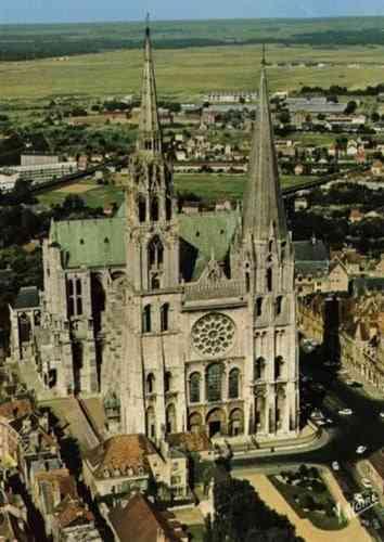 Những công trình kiến trúc Gothic nổi tiếng toàn thế giới - Nhà thờ Chartres