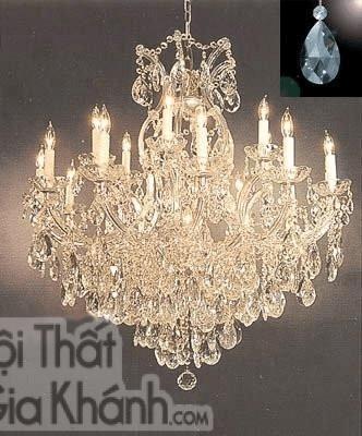 Mẫu đèn chùm này phù hợp với phòng khách thiết kế theo phong cách hiện đại