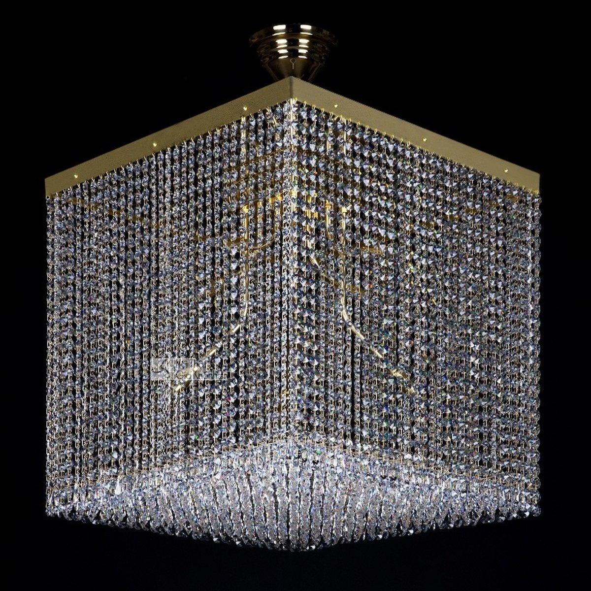 Mẫu đèn chùm pha lê cao cấp cho không gian thêm sang trọng - mau den pha le cao cap cho khong gian them sang trong 1