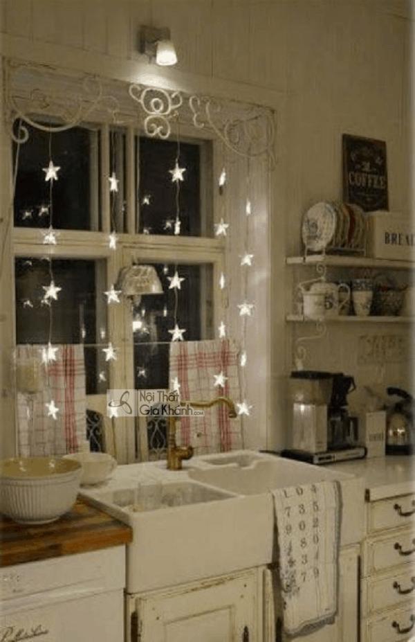 """Các mẫu đèn trang trí cửa sổ này trông cũng """"chill"""" phết - cac mau den trang tri cua so nay trong cung chill phet 2"""
