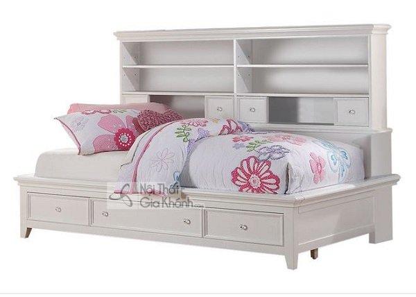 chiếc giường màu trắng mới lạ