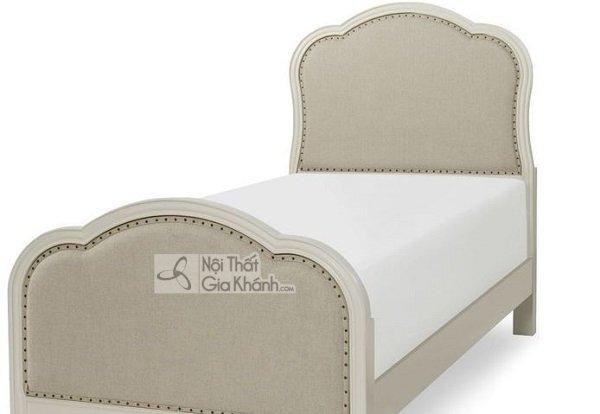 giường trắng kiểu tân cổ điển