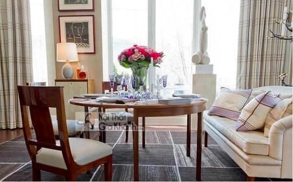 Biến phòng khách thành phòng ăn với sofa kết hợp bàn ăn