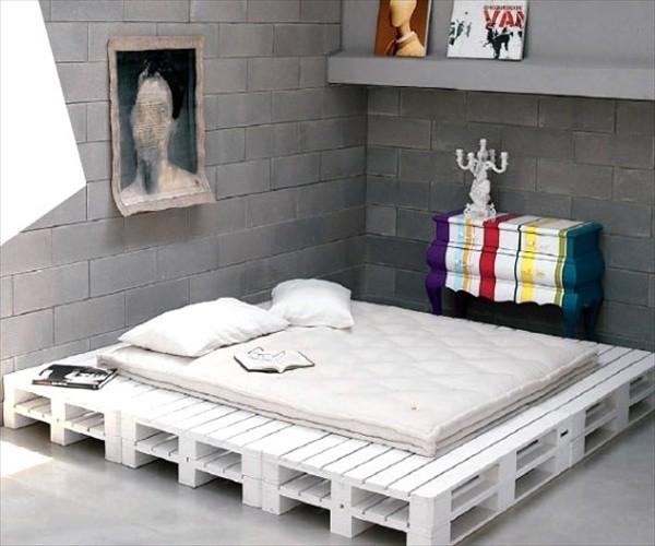 Giường trắng đẹp đơn giản