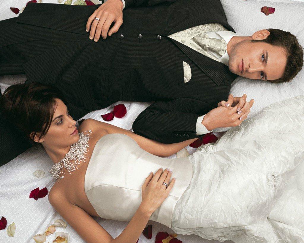 10 cách tạo dáng chụp ảnh cưới trong phòng - 50 sac thai