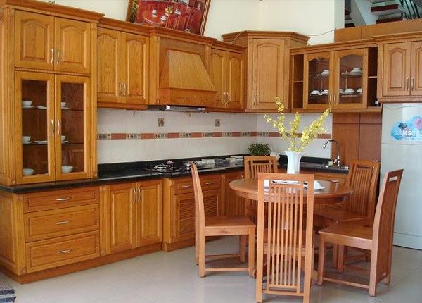 gỗ được sử dụng chủ yếu để chế tác thành đồ mĩ nghệ và đồ nội thất cao cấp
