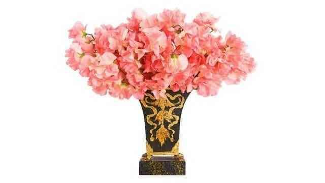 Hướng dẫn chọn bình cắm hoa phù hợp với từng loại hoa - Huong dan chon binh hoa phu hop voi tung loai hoa 4