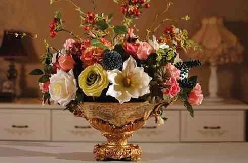Top 10 mẫu bình hoa đẹp, đơn giản mà trang trọng theo nghệ thuật sắp đặt - Top 10 binh hoa dep 3