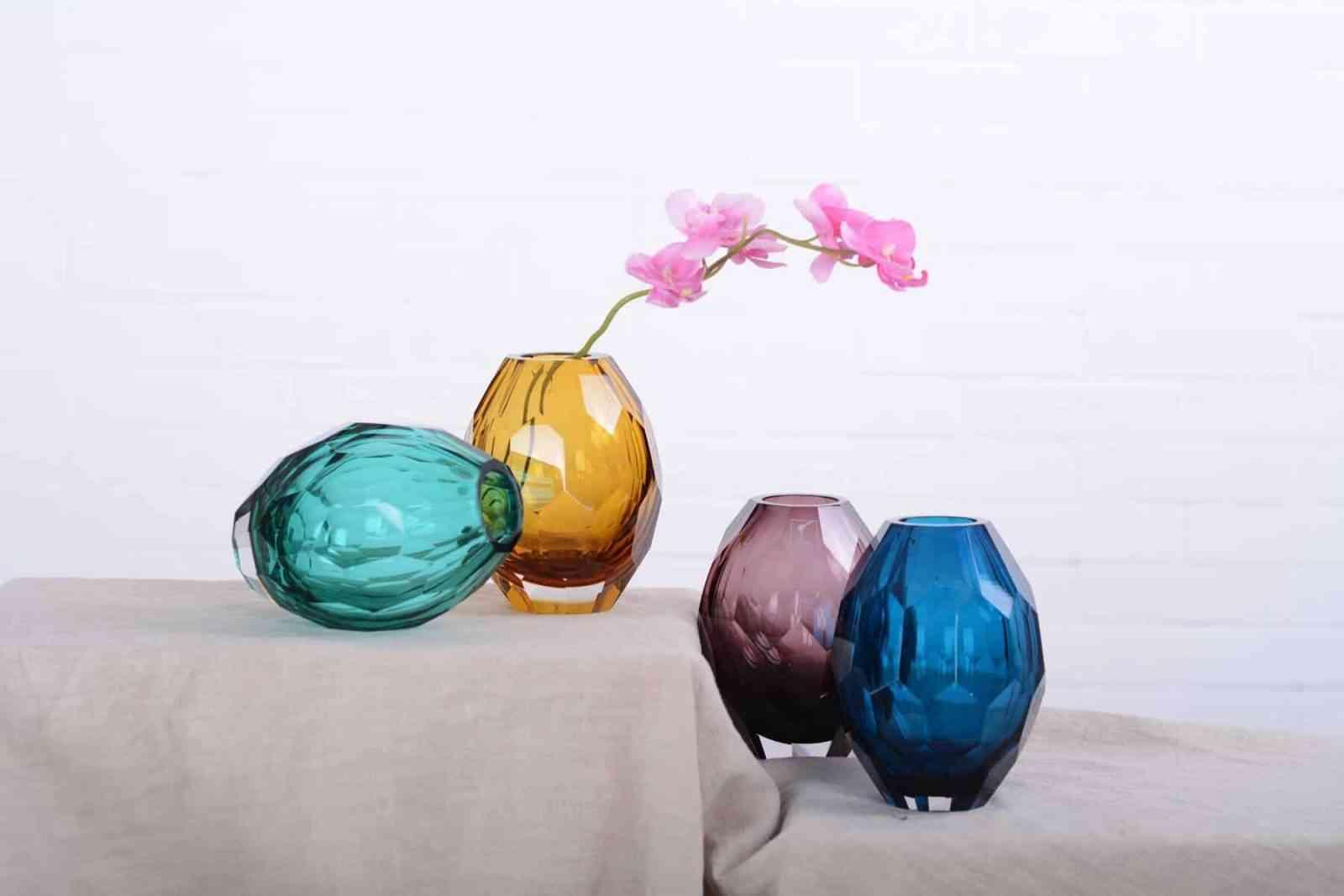 Top 10 mẫu bình hoa đẹp, đơn giản mà trang trọng theo nghệ thuật sắp đặt - Top 10 binh hoa dep 5