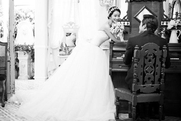 10 tạo dáng chụp ảnh cưới trong studio - anh dan em hat