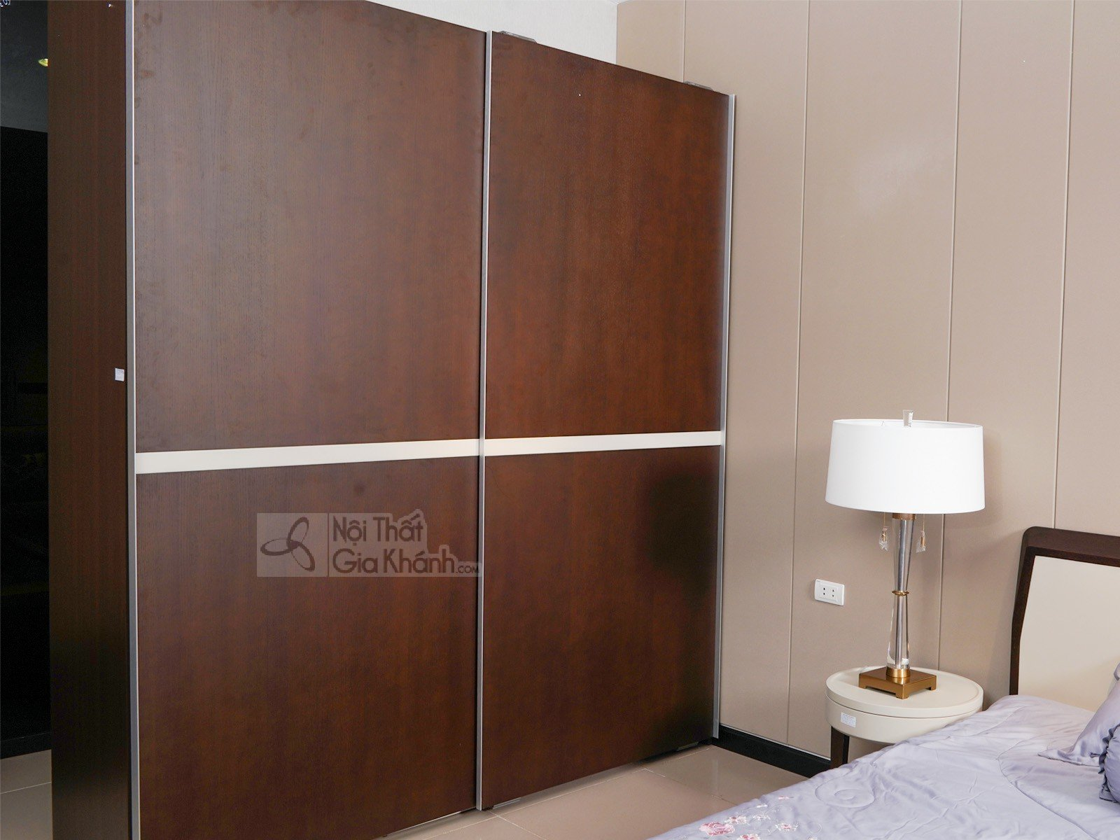 Bộ phòng ngủ gỗ nhập khẩu hiện đại BN1807-18