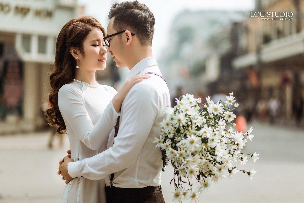 Chia sẻ các cách tạo dáng chụp ảnh cưới sao cho đẹp - cai om nhe