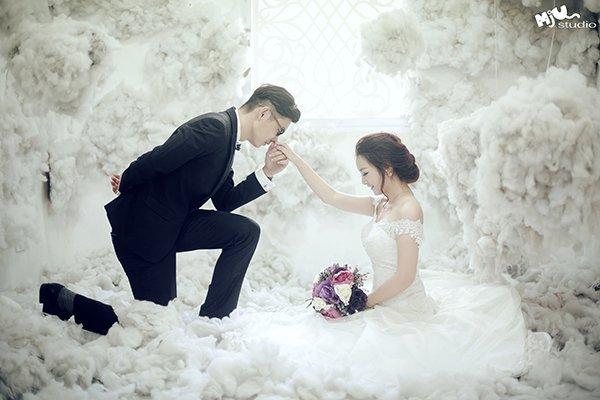 10 tạo dáng chụp ảnh cưới trong studio - cau hon em