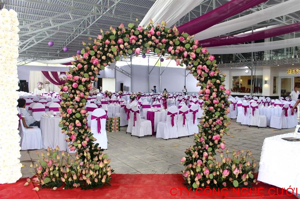 Các loại cổng đám cưới đẹp, độc, lạ - cong hoa sen