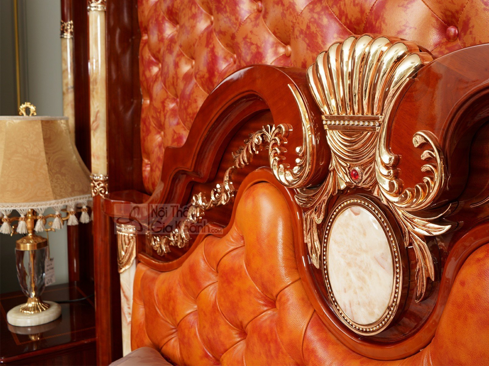 Giường ngủ khung gỗ sồi cao cấp classic GI509-18