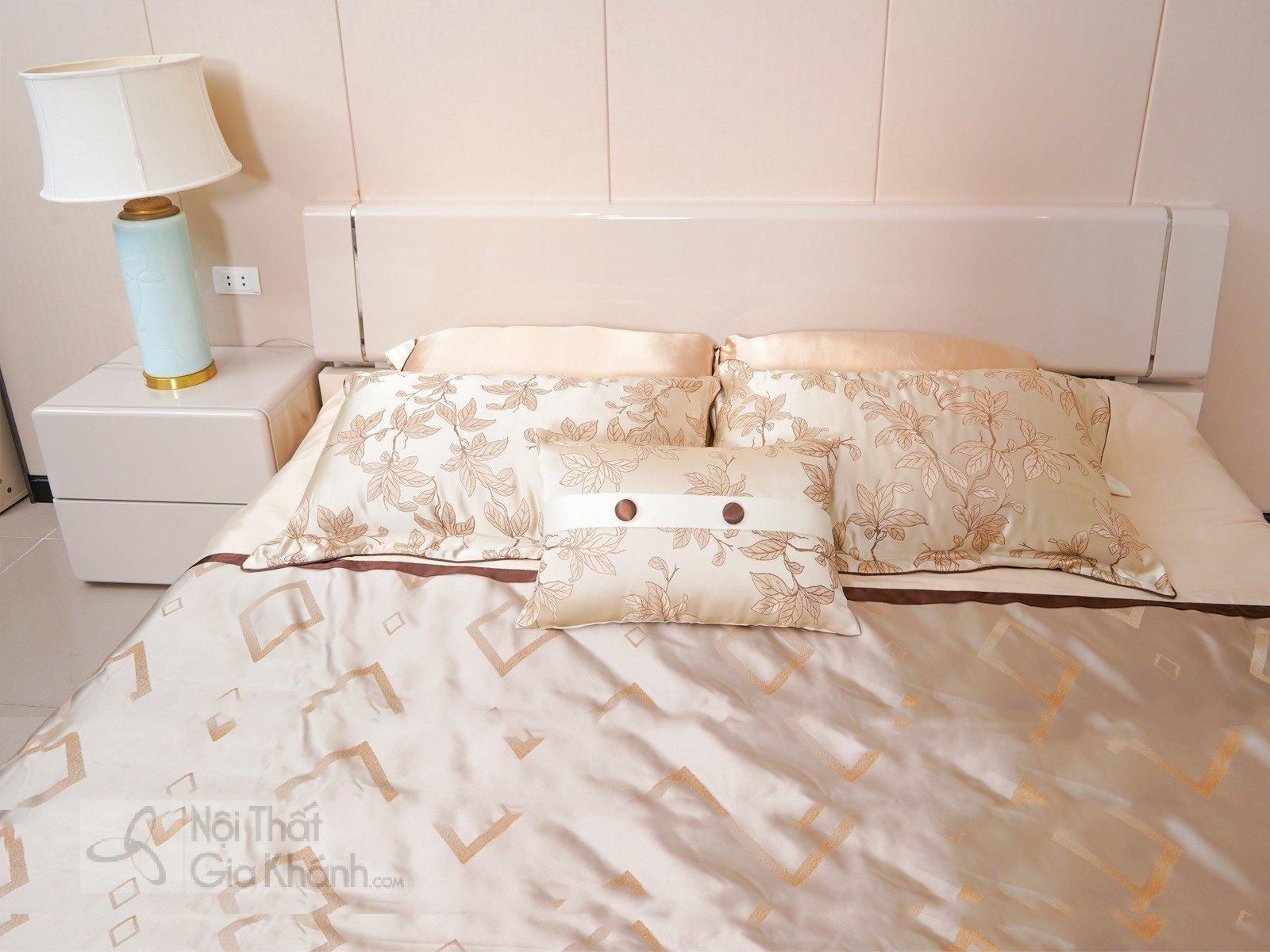 Giường Ngủ Hiện Đại Cao Cấp Gỗ Tự Nhiên GI3305B-18