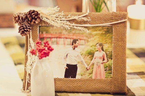 Cách trang trí bàn ăn gia đình và bàn ăn decor tiệc cưới trang trọng và đẹp - khung anh