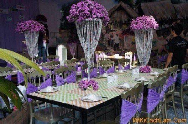 Cách trang trí bàn ăn gia đình và bàn ăn decor tiệc cưới trang trọng và đẹp - mau tim