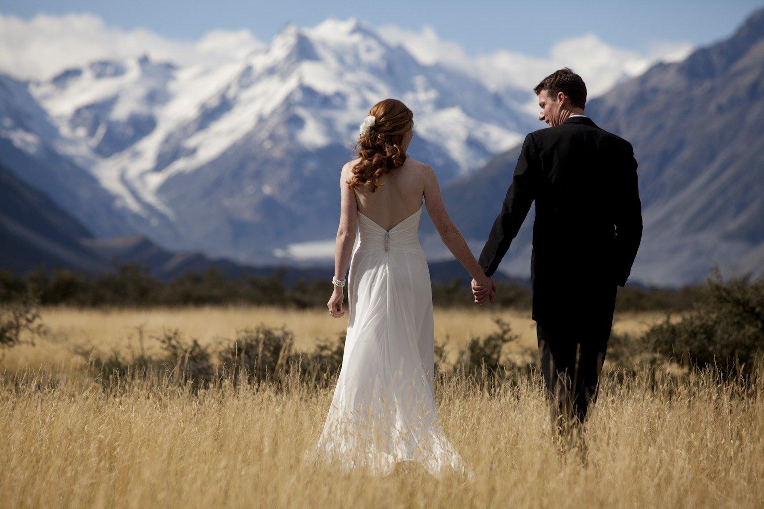 Chia sẻ các cách tạo dáng chụp ảnh cưới sao cho đẹp - phan chieu nguoc sang