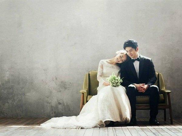 10 tạo dáng chụp ảnh cưới trong studio - tua vao vai anh