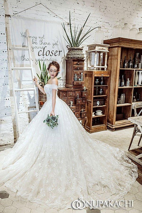 Các mẫu váy cưới được các cô dâu săn đón nhất mùa cưới 2018 – 2019 - vay cuoi sang trong