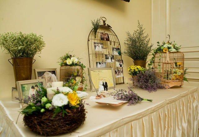 Cách trang trí bàn ăn gia đình và bàn ăn decor tiệc cưới trang trọng và đẹp - vintage